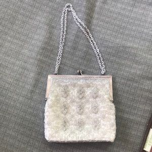 La Regale Beaded White & Silver Purse 👛